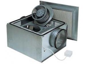 В звукоизолированном корпусе для круглых каналов (IRE)