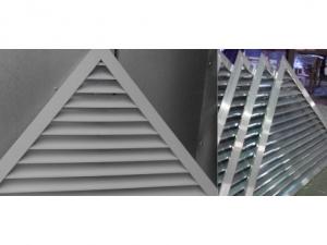 Решетка треугольная с декоративной рамкой РЭД-НТ29